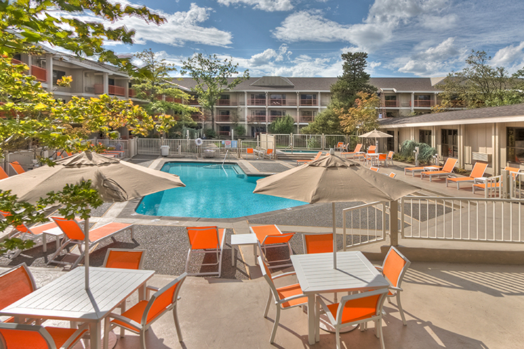 Ashland hills hotels and suites pool2 hpg