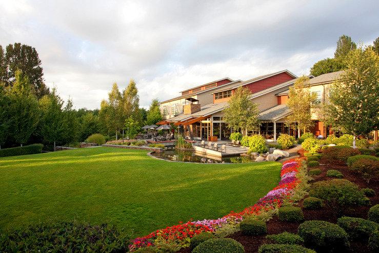 Cedarbrook Lodge - Stash Hotel Rewards