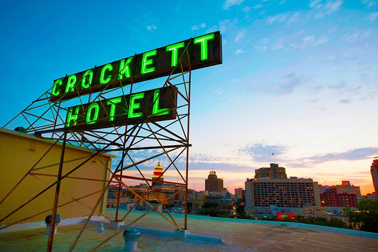Crockett hotel rooftopsign atsunset 17 hpg