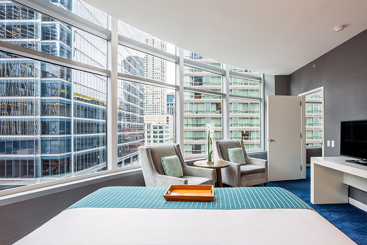 Kinzie hotel king suite view hpg