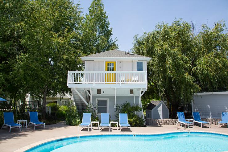 Lithia springs resort pool2 hpg