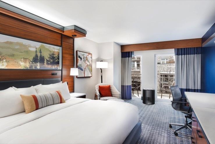 The heathman hotel balconyking hpg 1